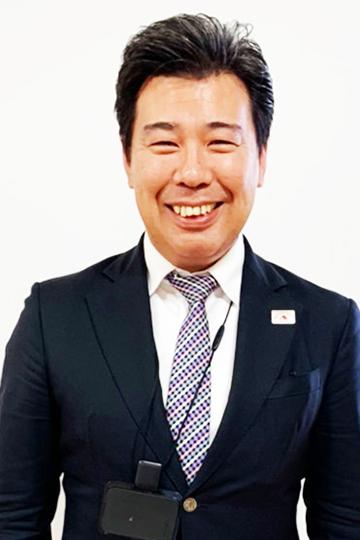 八戸東店店長 小笠原 光成