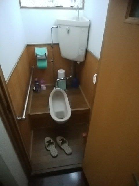 和式トイレ改修工事   八戸市の住まい創りはリフォームササキ